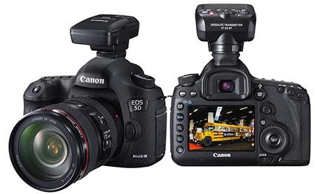 Canon EOS 5D Mark III - vlevo s jednotkou GPS GP-E2, vpravo s bezdrátovým vysílačem ST-E3RT